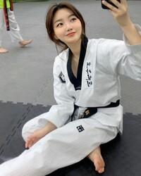 韓國一位跆拳道黑帶正妹김지연
