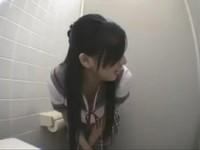 大眼學生妹與老師廁所偷情