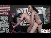 刺青夫人男女摔跤大賽