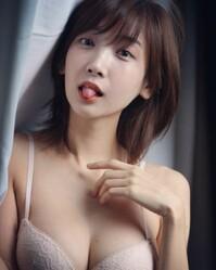 韓國一位性感姐姐Leezy是專業鋼琴家