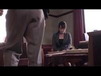 日本秘書在家裡另一個餅他媽的之前給她的老闆一個 BJ