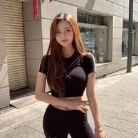甜美臉蛋和性感身材的韓國正妹박선영