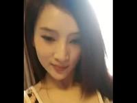 台灣正妹露奶自拍