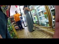 國外好色情侶在超市裸拍還打野砲